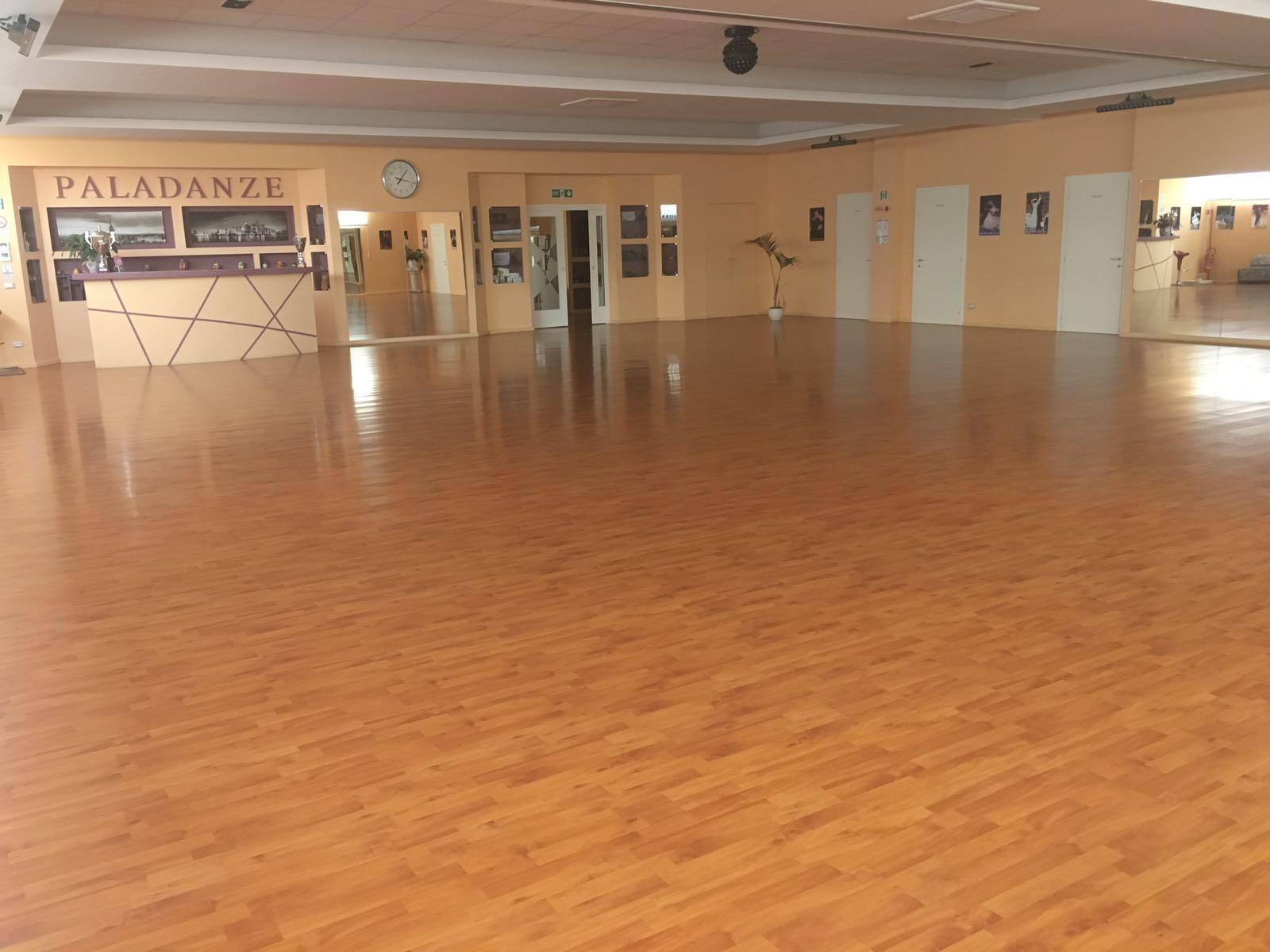 Scuola di ballo e danza paladanze bologna - Sala insonorizzata ...